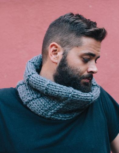 Grijze colsjaal voor mannen breien