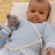 Vier patronen voor een leuk omslag vest voor baby's